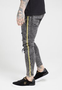 SIKSILK - DISTRESSED TAPED - Jeans Skinny Fit - faded grey - 4