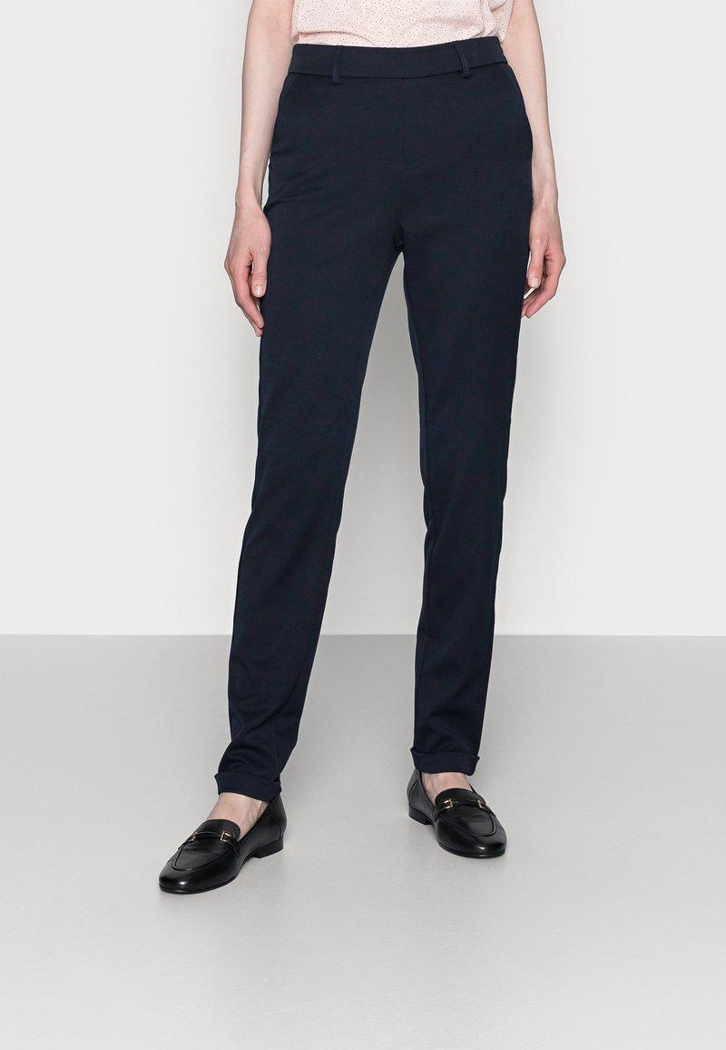 Vero Moda Tall - VMMAYA LOOSE SOLID PANT - Trousers - night sky