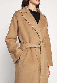 WEEKEND MaxMara - Classic coat - kamel - 7