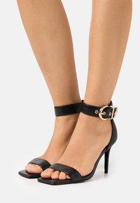 Versace Jeans Couture - Sandaler - black - 0