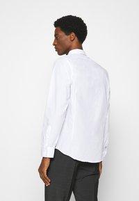 Brave Soul - TUDORD - Kostymskjorta - white - 2