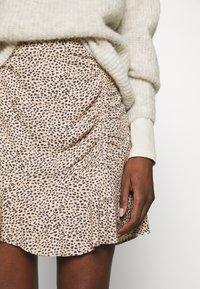 Abercrombie & Fitch - CINCH DETAIL SKIRT - Áčková sukně - brown - 5