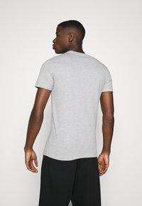Calvin Klein Jeans - 3 PACK  - T-shirt basic - black/grey/beet red - 3