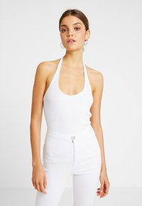 Monki - 2 PACK BRIZY SINGLET UNIQUE - Top - white/black - 2