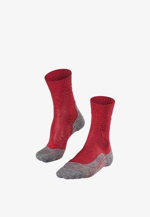 TK5 ULTRA LIGHT - Sports socks - red