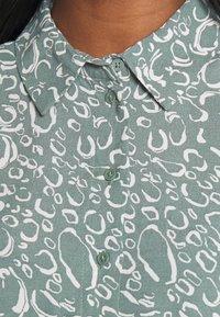 Vero Moda - VMLIVA SHORT SHIRT DRESS - Shirt dress - laurel wreath/liva - 3