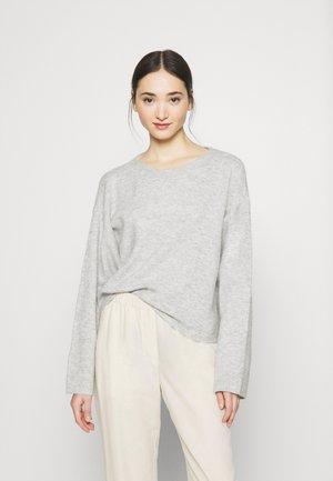 VMPLAZA BOXY - Jersey de punto - light grey melange