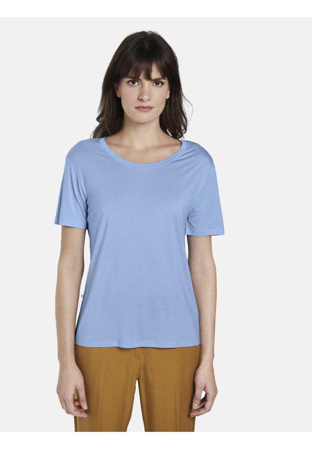 T-SHIRT SCHLICHTES T-SHIRT AUS LYOCELL - T-shirt basique - light blue