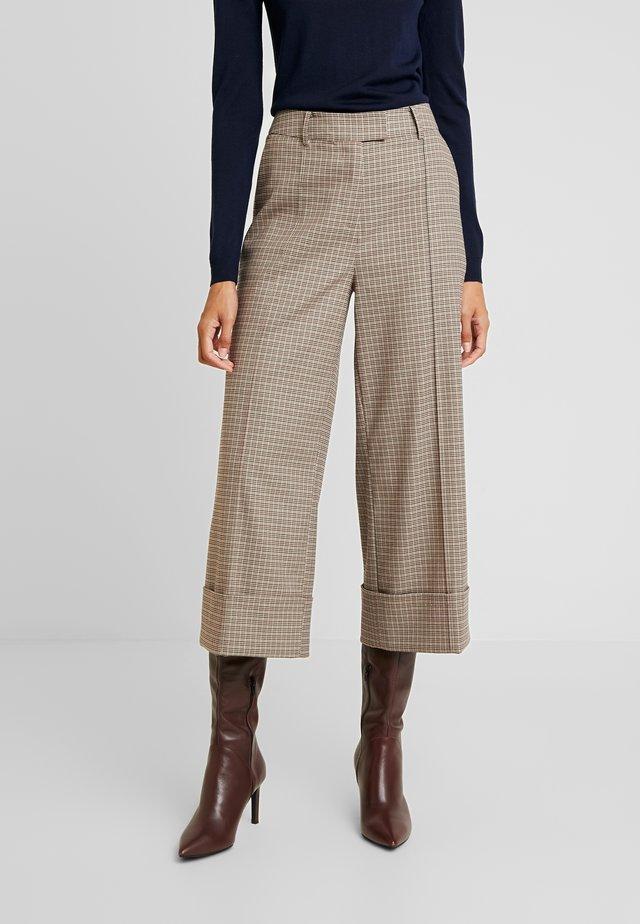 Pantalones - rossetto