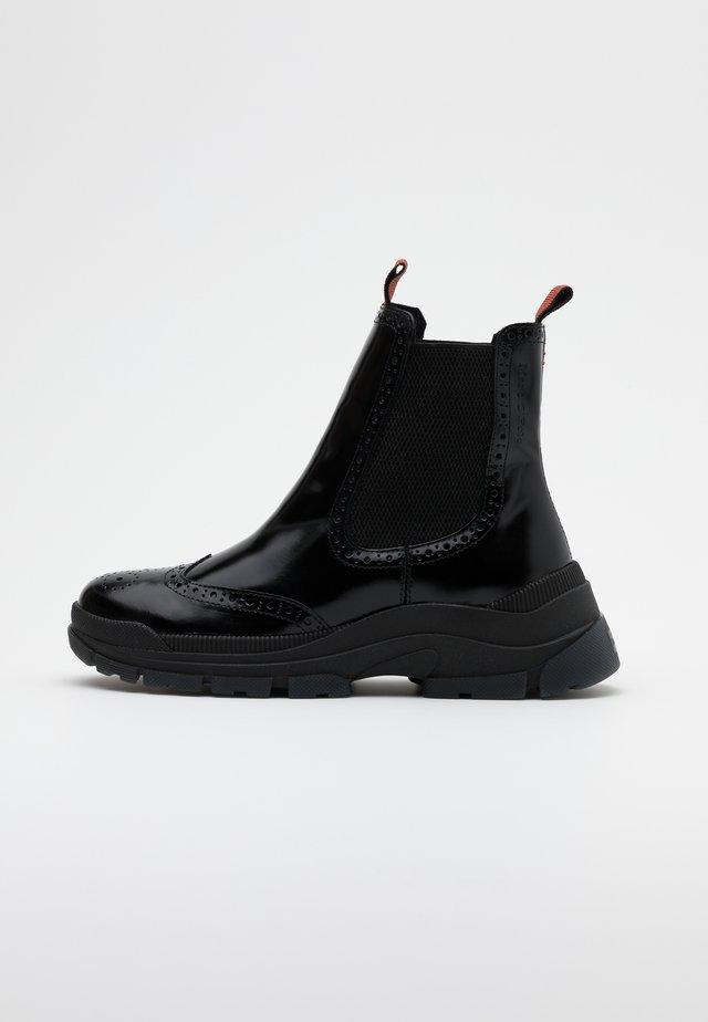 MAIA  - Platåstøvletter - black