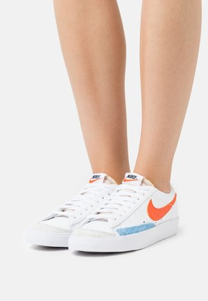 BLAZER '77 - Trainers - white/orange/university gold/university blue/green noise/summit white