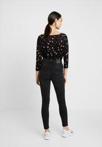 ONLY - ONLMILA - Jeans Skinny Fit - black denim - 2