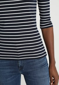 TOM TAILOR - STRIPE - Long sleeved top - navy - 5