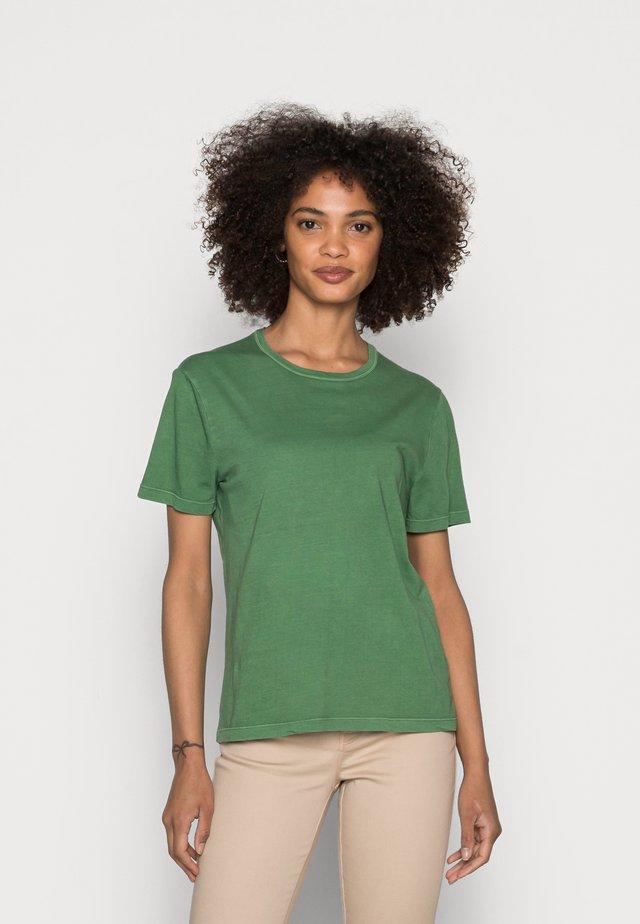 SHORT SLEEVE ROUND-NECK - Basic T-shirt - meadow grass