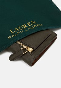 Lauren Ralph Lauren - SLIM WALLET MEDIUM - Lommebok - deep olive - 4