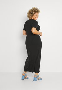 Vero Moda Curve - VMAVA LULU ANCLE DRESS - Maxi dress - black - 2