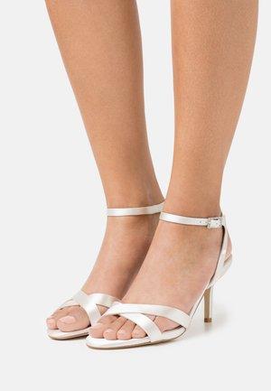 MIRRA - Sandals - ivory