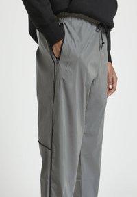PULL&BEAR - Tracksuit bottoms - grey - 3