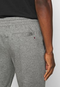 Tommy Hilfiger - ICON - Tracksuit bottoms - grey - 5