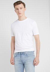 BOSS - TRUST - Basic T-shirt - white - 0