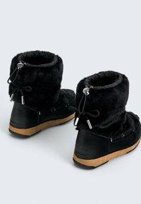 OYSHO - Snowboots  - black - 2