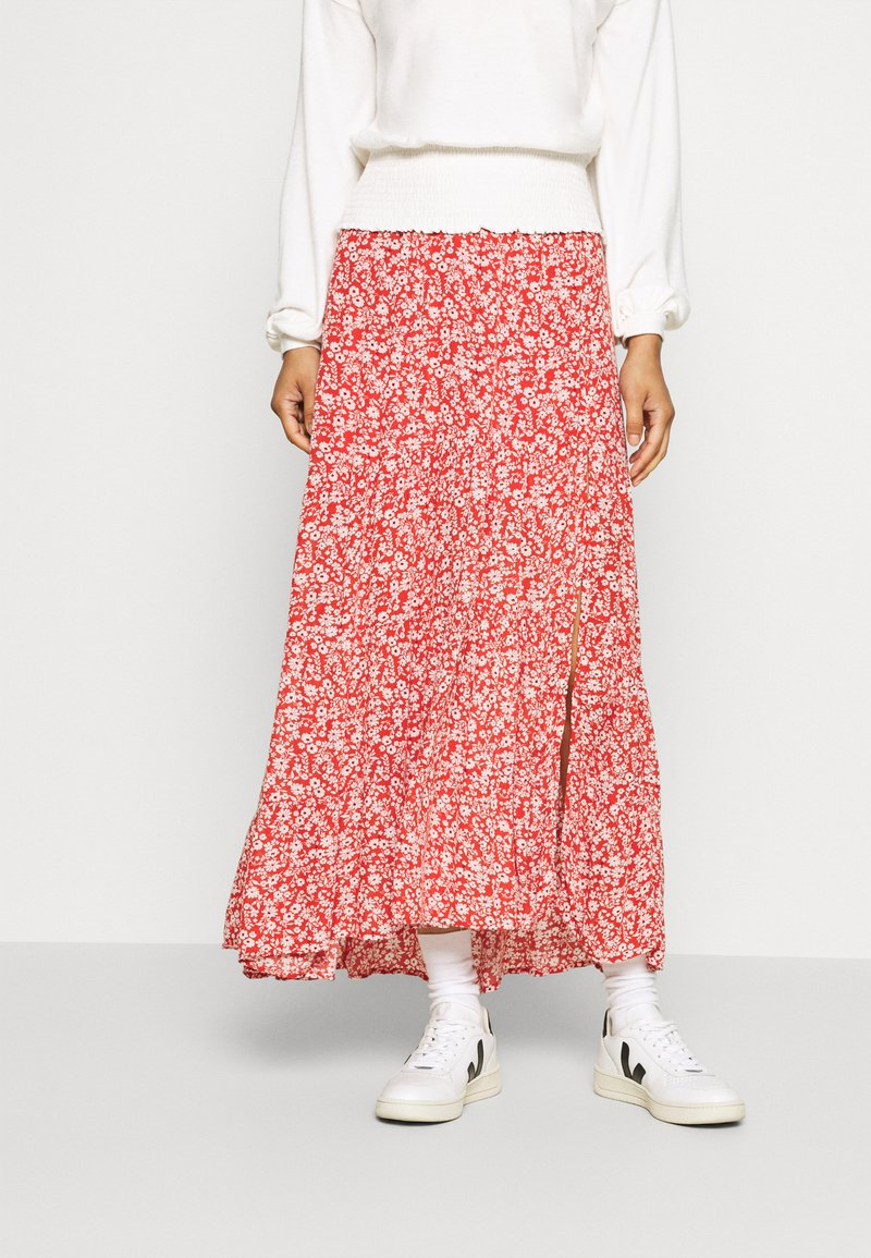 Abercrombie & Fitch - TIERED HIGH SLIT MAXI SKIRT - Maxi sukně - red