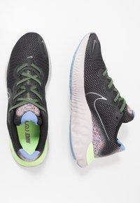 Nike Performance - RENEW RUN SE - Zapatillas de running neutras - black/metallic dark grey/plum dust/royal pulse/ghost green/platinum violet - 1