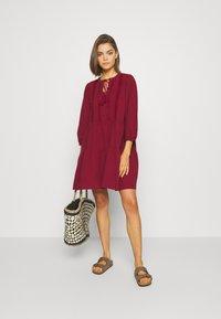 Vero Moda - VMMUSTHAVE BOHO 3/4 TUNIC  - Day dress - red - 1