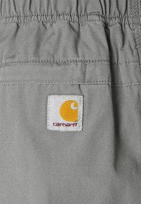 Carhartt WIP - CLOVER LANE - Shorts - shiver stone washed - 5
