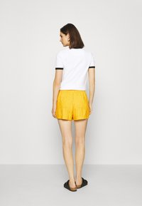 GAP - PULL ON UTILITY SOLID - Shorts - lemon curry - 2