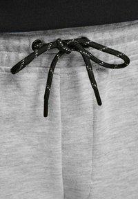 Jack & Jones - Shorts - light grey melange - 6