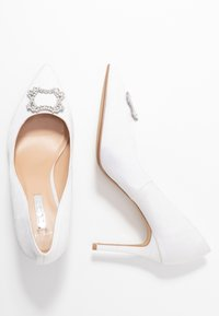Dorothy Perkins Wide Fit - WIDE FIT SQUARE JEWEL COURT SHOE - High heels - white - 3