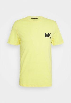 SPORT LOGO TEE - Print T-shirt - meringue