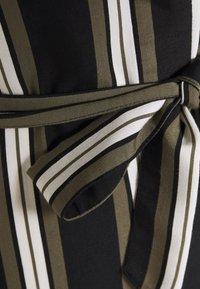 Betty & Co - Day dress - khaki/black - 2