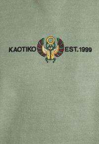 Kaotiko - CREW WASHED BEETLE ARMY - Zip-up sweatshirt - olive - 2