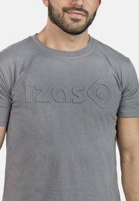 IZAS - T-shirt imprimé - charcoal - 4