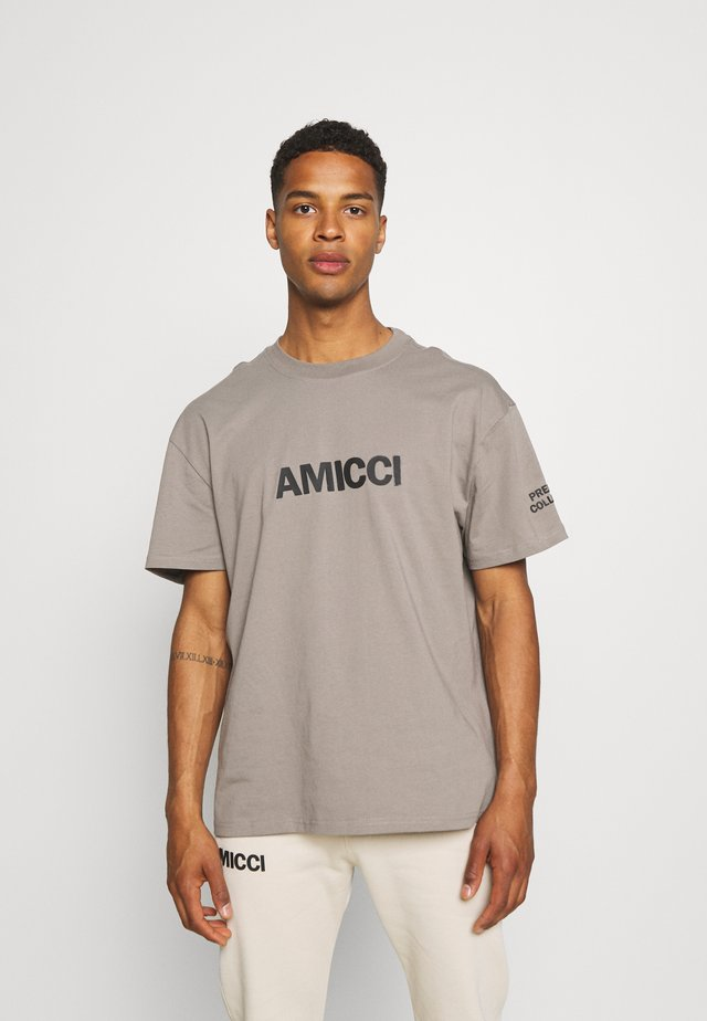 PREMIUM TEE - T-shirt print - khaki