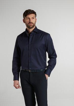 COMFORT FIT - Zakelijk overhemd - marine