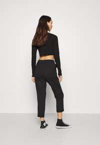 Even&Odd - TAPERED LEG JOGGER WITH POCKET DETAIL - Tracksuit bottoms - black - 2