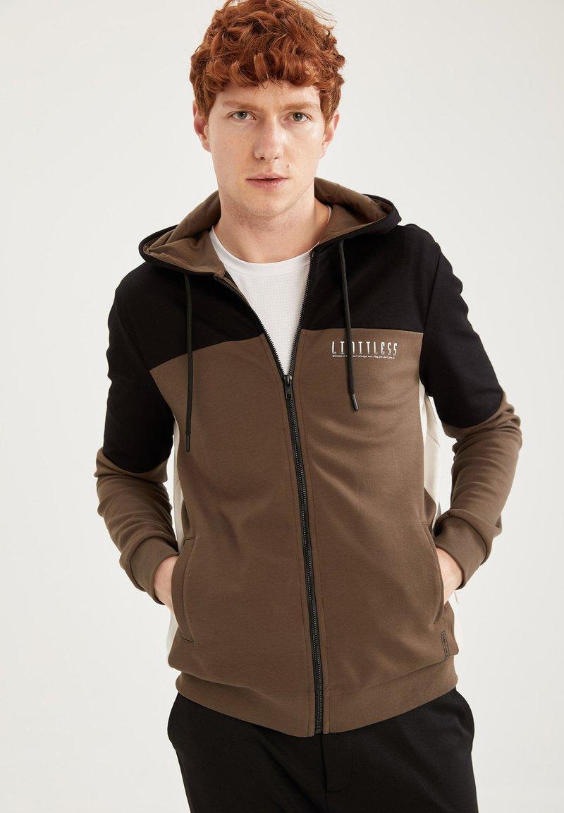 DeFacto Fit - Zip-up sweatshirt - khaki