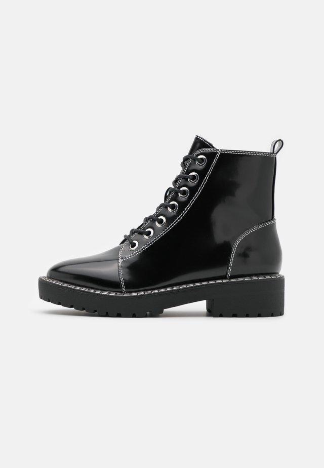 BLAZE DOUBLE STITCH LACE UP - Šněrovací kotníkové boty - black