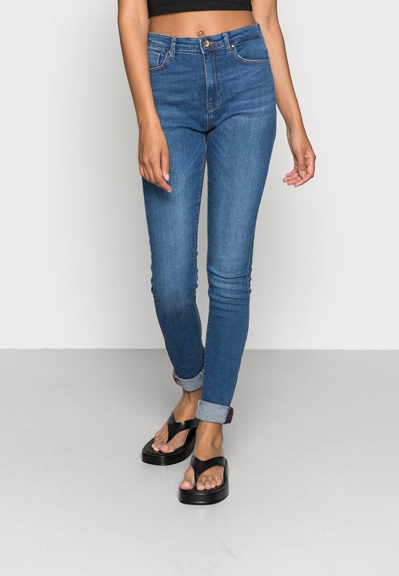 ONLY - ONLPAOLA - Jeans Skinny Fit - medium blue denim