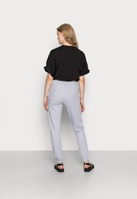 Missguided - BASIC JOGGERS 2 PACK - Tracksuit bottoms - grey/burgundy - 2