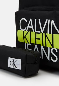 Calvin Klein Jeans - BACK TO SCHOOL BACKPACK SET - Set zainetto - black - 4