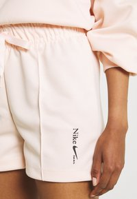 Nike Sportswear - Shorts - orange pearl - 4