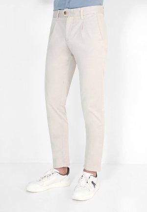 FIRENZE  - Pantalones chinos - beige