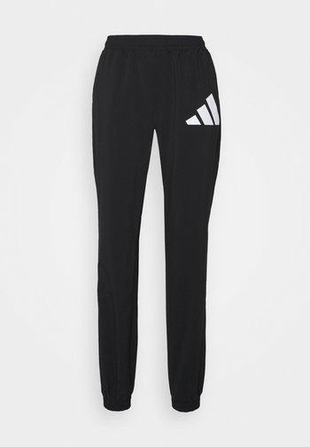 BOS PANT - Pantalones deportivos - black/white