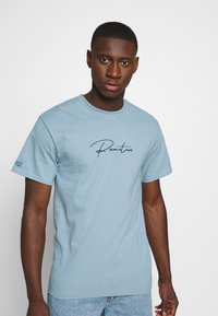 Primitive - SHADOW TRUNK TEE - Print T-shirt - slate - 3