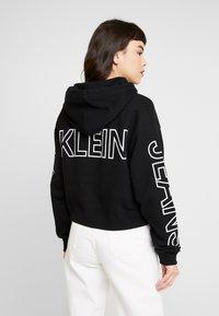 Calvin Klein Jeans - BLOCKING STATEMENT LOGO HOODIE - Sweat à capuche - black/white - 2