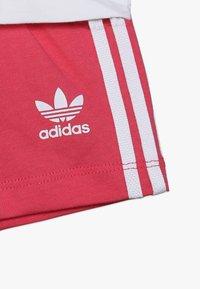 adidas Originals - TEE SET - Shorts - white/pink - 3